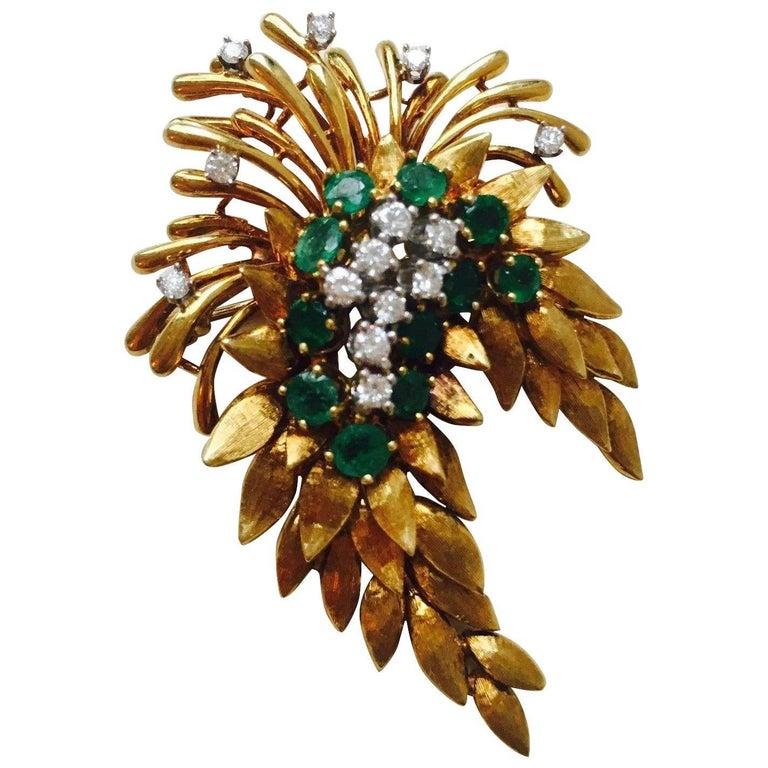 French 1940s French 18 Karat Gold 4.84 Carat Emerald VS Diamond Necklace Pendant