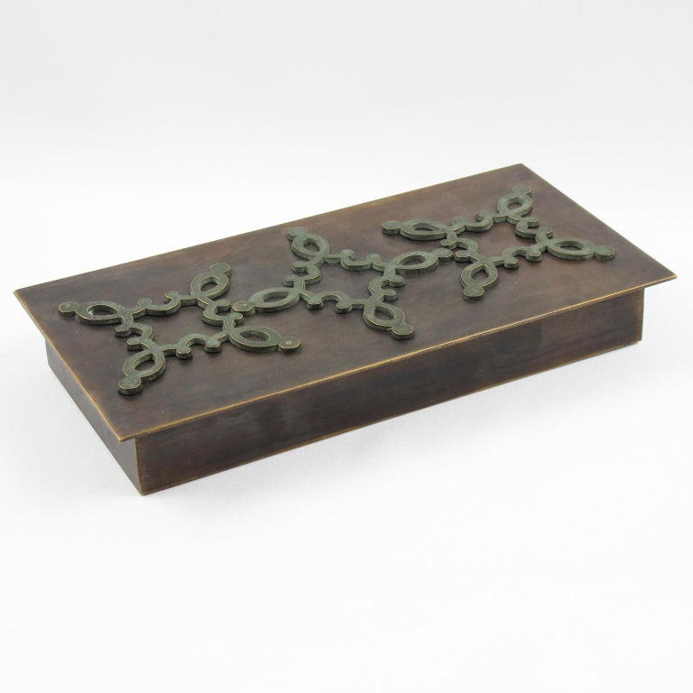 Mid-Century Modern French 1940s Modernist Brass Decorative Lidded Box with Geometric Inlaid For Sale