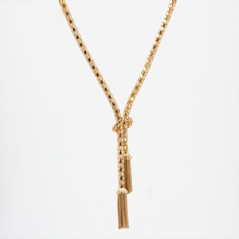 French 1950s 18 Karat Yellow Gold Orvet Mesh and Tassels Necklace For Sale 2