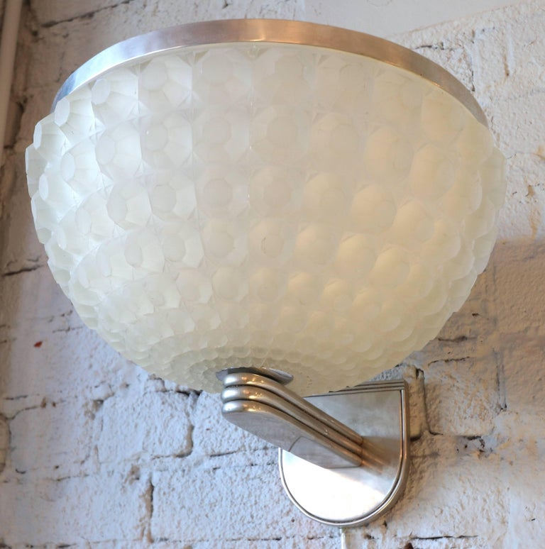 French 1950s Art Deco Chrome and Glass Sconce For Sale 3