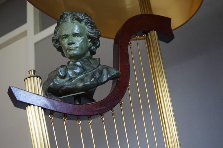 French 1950s Art Deco Style Brass Harp & Beethoven Bust Floor Lamp by G. LeRoux In Good Condition For Sale In Lisse, NL