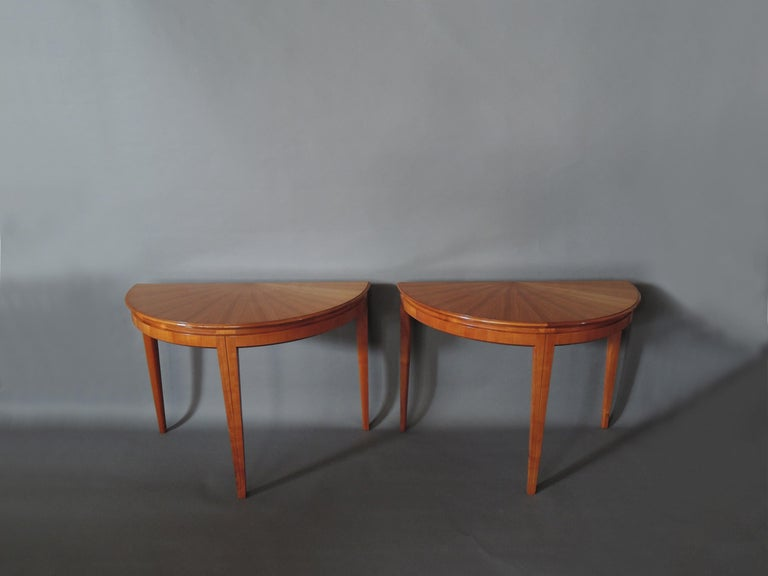 Mid-20th Century French 1950s Cherry Round Dining Table Divisible in 2 Demilune Tables For Sale