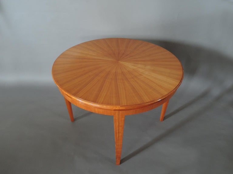 French 1950s Cherry Round Dining Table Divisible in 2 Demilune Tables For Sale 3