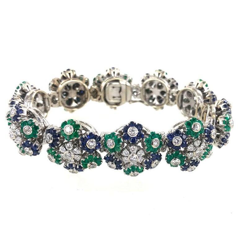 Round Cut  1950s French Diamond Natural Sapphire Emerald Floral 18 Karat Gold Bracelet For Sale
