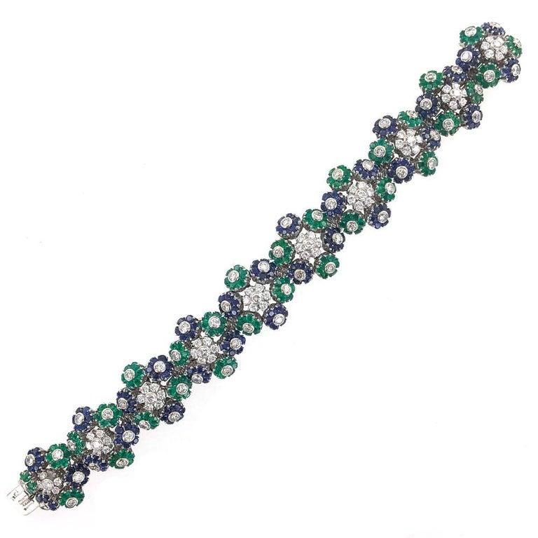 1950s French Diamond Natural Sapphire Emerald Floral 18 Karat Gold Bracelet For Sale