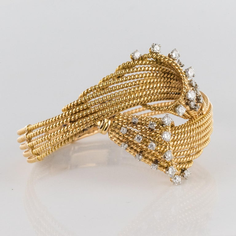 French 1950s Diamonds Platinum 18 Karat Yellow Gold Thread Bracelet For Sale 5
