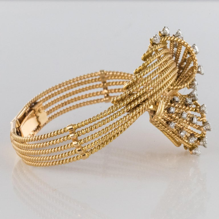 French 1950s Diamonds Platinum 18 Karat Yellow Gold Thread Bracelet For Sale 2