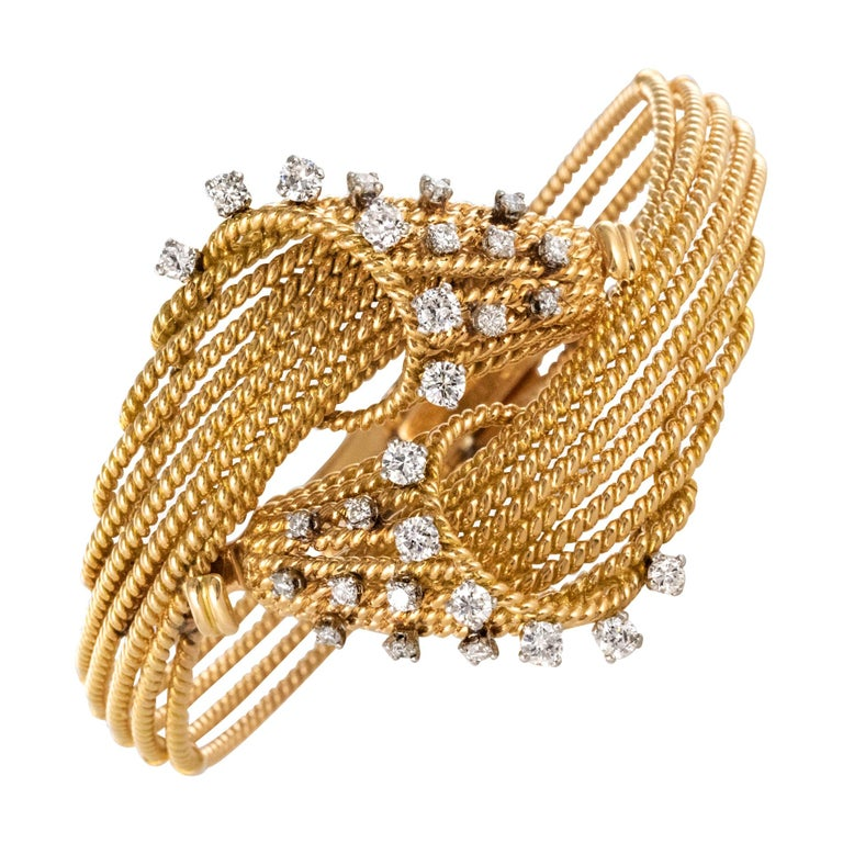 French 1950s Diamonds Platinum 18 Karat Yellow Gold Thread Bracelet For Sale