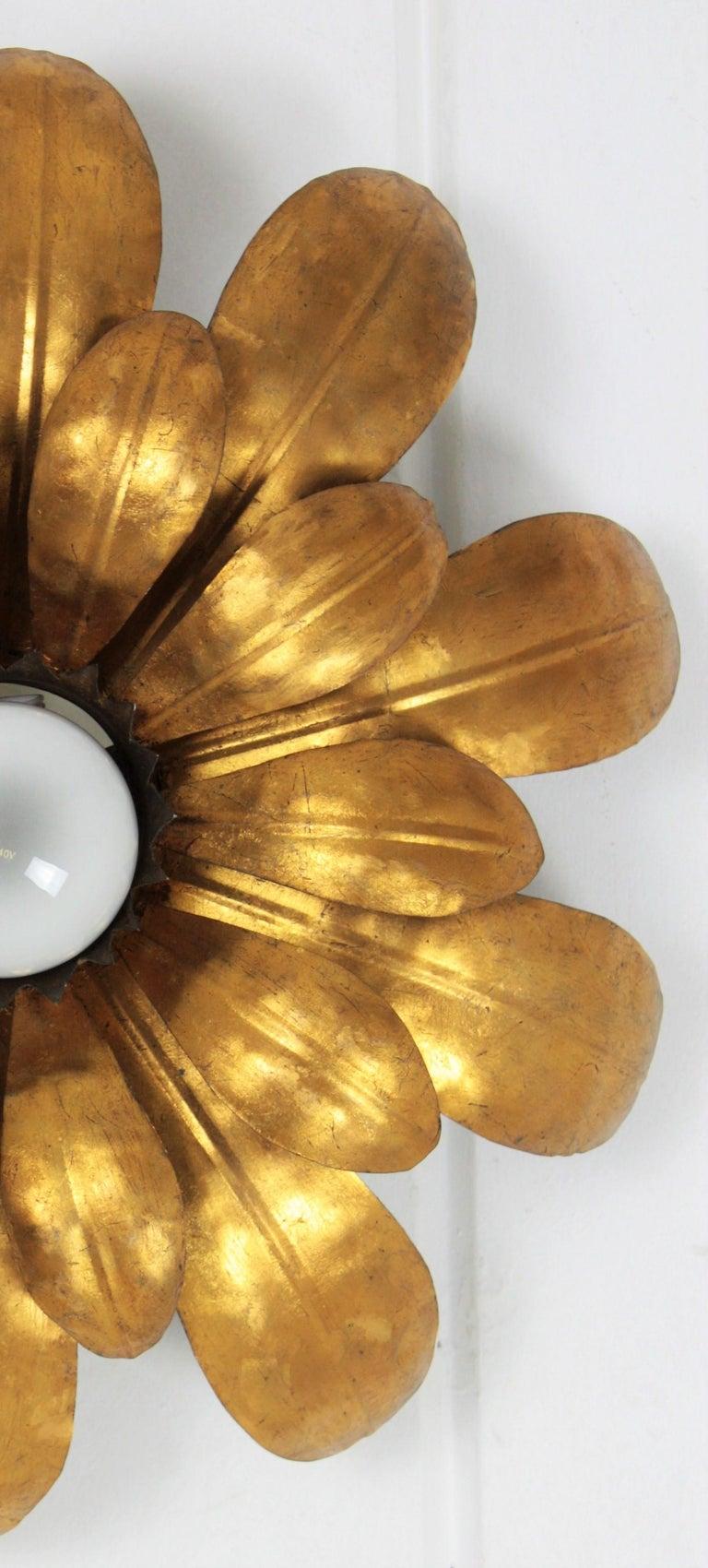 French, 1950s Gilt Iron Flower Shaped Sunburst Ceiling Flush Mount Light Fixture For Sale 4