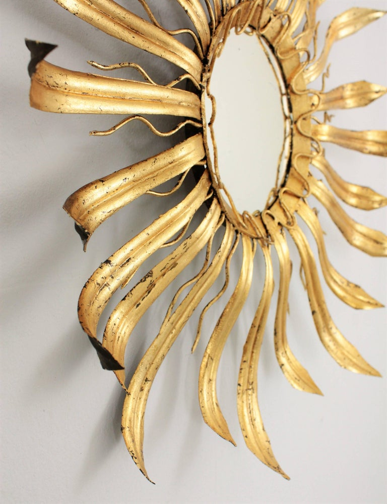 Mid-Century Modern Gilt Iron Hand-Hammered Sunburst Mirror, France 1950s In Excellent Condition For Sale In Barcelona, ES