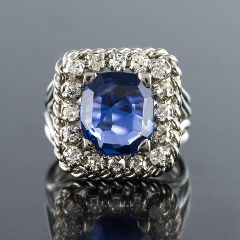 Retro French 1950s Natural Cushion Cut Ceylon Sapphire Diamonds Platinum Ring For Sale