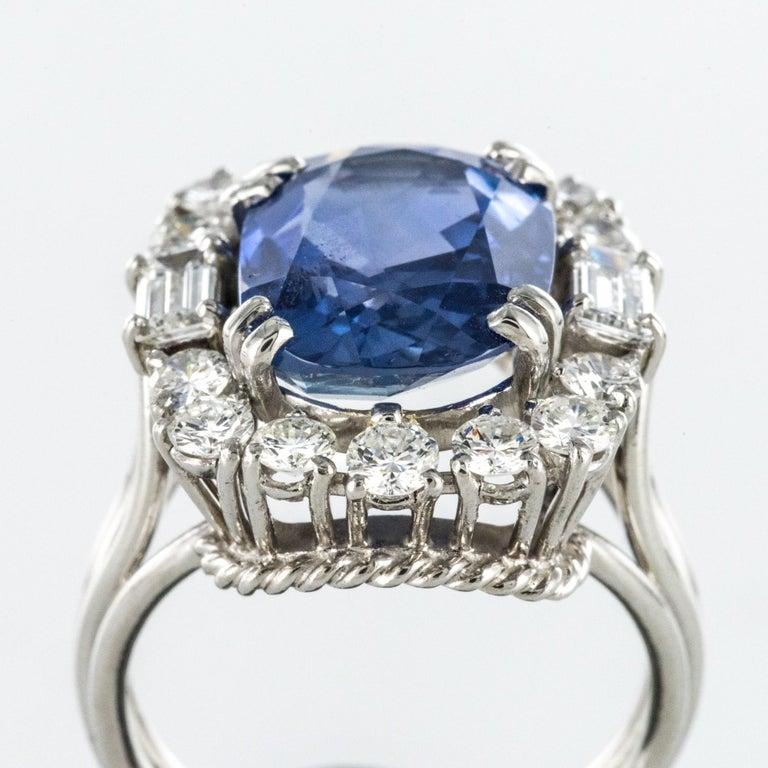 French 1950s No Heat Ceylon Cushion Cut Sapphire Diamonds Platinum Cocktail Ring For Sale 5