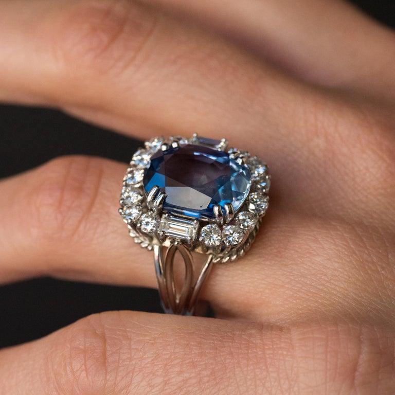 French 1950s No Heat Ceylon Cushion Cut Sapphire Diamonds Platinum Cocktail Ring For Sale 9