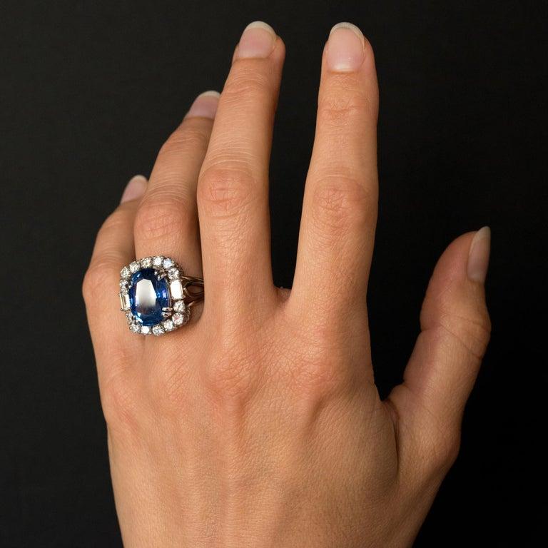 French 1950s No Heat Ceylon Cushion Cut Sapphire Diamonds Platinum Cocktail Ring For Sale 11