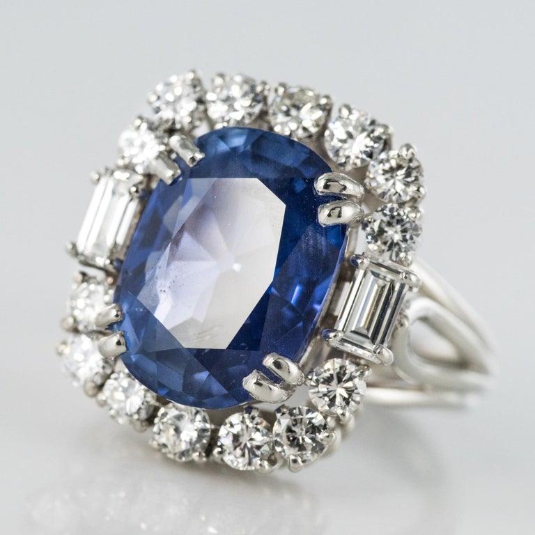 French 1950s No Heat Ceylon Cushion Cut Sapphire Diamonds Platinum Cocktail Ring For Sale 4