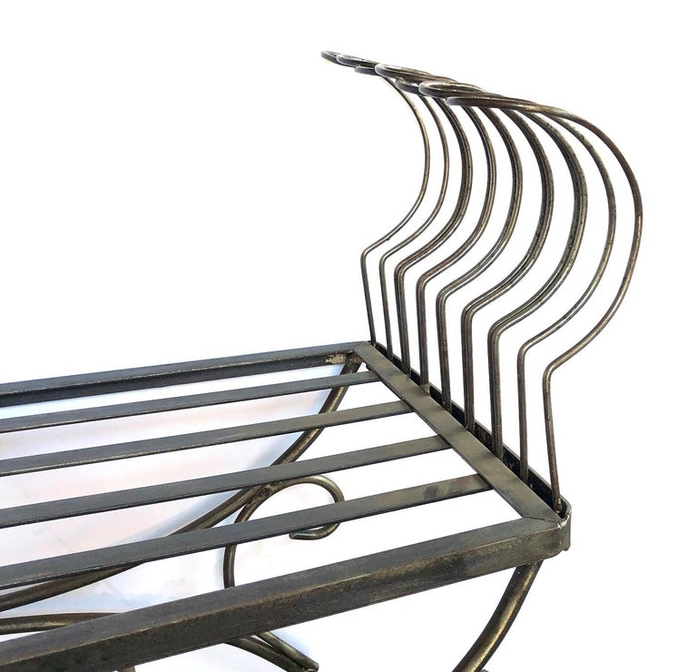 French 1950s Raw Iron Curule-Form Bench with Incurved Arms In Good Condition For Sale In San Francisco, CA