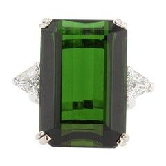 French 1960s 28.91 Carat Green Tourmaline Diamonds 18 Karat White Gold Ring