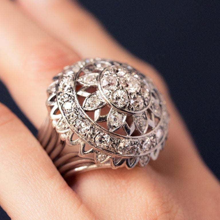 French 1960s 4.20 Carat Diamonds 18 Karat White Gold Cocktail Ring In Excellent Condition For Sale In Poitiers, FR