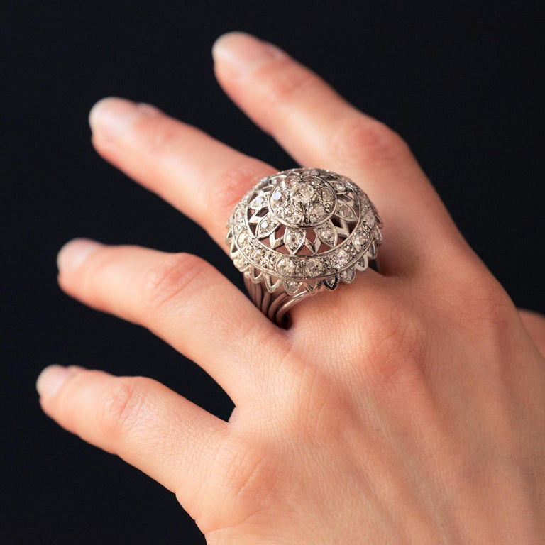 French 1960s 4.20 Carat Diamonds 18 Karat White Gold Cocktail Ring For Sale 2