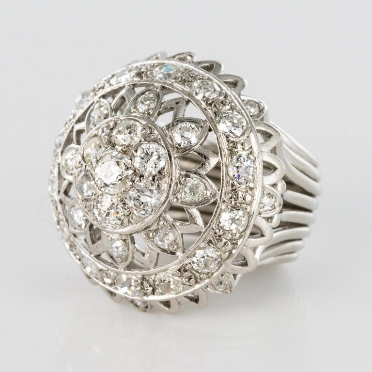 French 1960s 4.20 Carat Diamonds 18 Karat White Gold Cocktail Ring For Sale 3