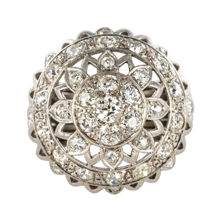 French 1960s 4.20 Carat Diamonds 18 Karat White Gold Cocktail Ring For Sale
