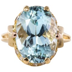 French 1960s 6.87 Carat Aquamarine Diamonds 18 Karat Yellow Gold Ring