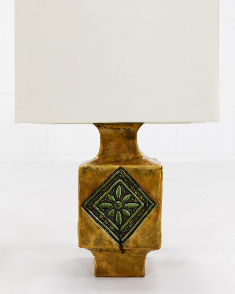 French 1960s Ceramic Glazed Table Lamp In Good Condition For Sale In Gloucestershire, GB