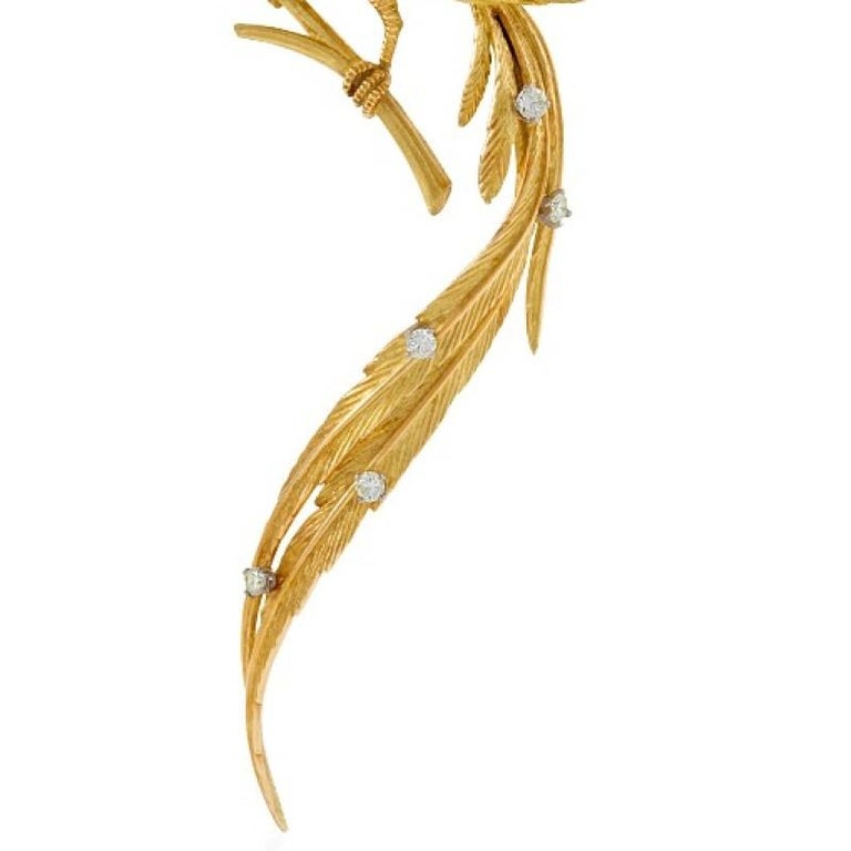 Women's French 1960s Diamond Ruby and Gold Bird Brooch For Sale