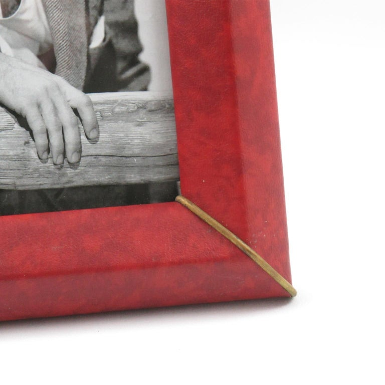 French 1960s Red Vinyl Leather Picture Photo Frame with Brass Accents For Sale 3
