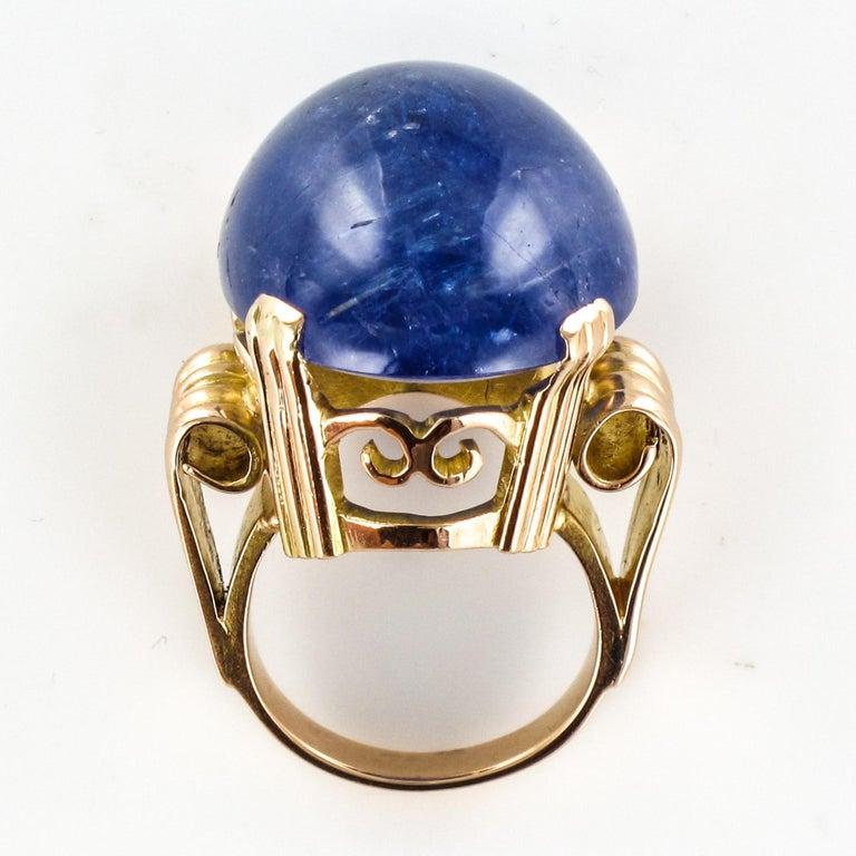 French 1960s Retro 49.20 Carat Tanzanite 18 Karat Yellow Gold Ring For Sale 9