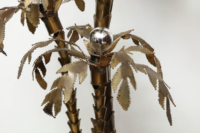 French 1970s Brutalist Palm Tree Lamp Table with Natural Stone Base For Sale 3