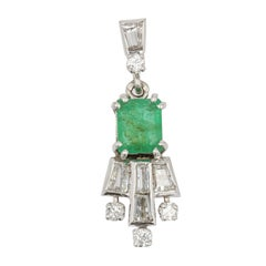 French 1970s Emerald Diamonds 18 Karat White Gold Pendant