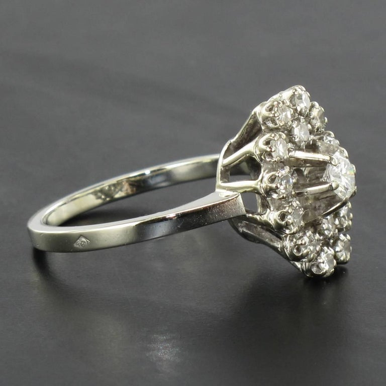 French 1970s Retro Diamond 18 Karat White Gold Marquise Ring  In Good Condition For Sale In Poitiers, FR
