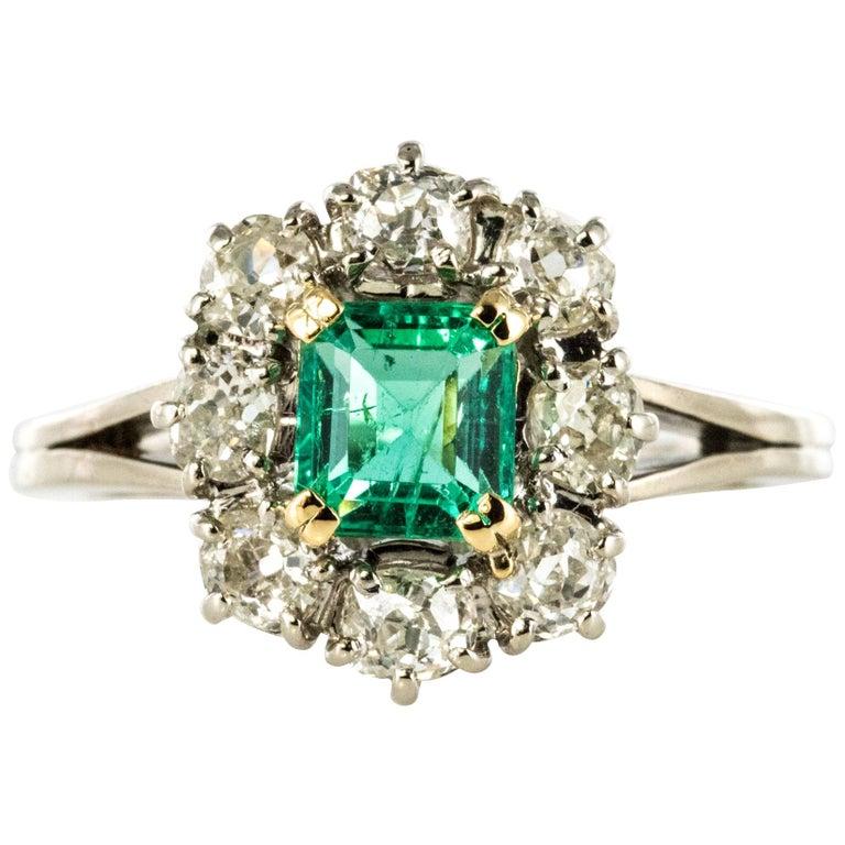French 1970s Retro Emerald Diamond 18 Karat White Gold Daisy Ring For Sale