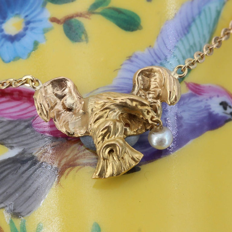 French 19th Century 18 Karat Yellow Gold Eagle Natural Pearl Chain Necklace For Sale 1