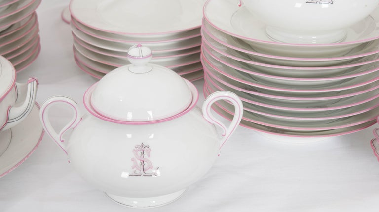 French 19th Century 95-Piece Old Paris Porcelain Dinner Service For Sale 12