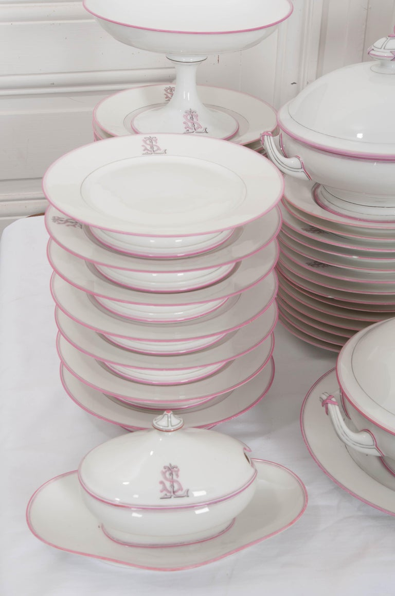 French 19th Century 95-Piece Old Paris Porcelain Dinner Service For Sale 14