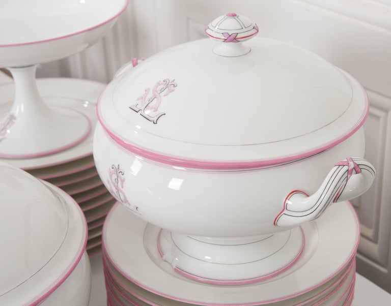 French 19th Century 95-Piece Old Paris Porcelain Dinner Service For Sale 16