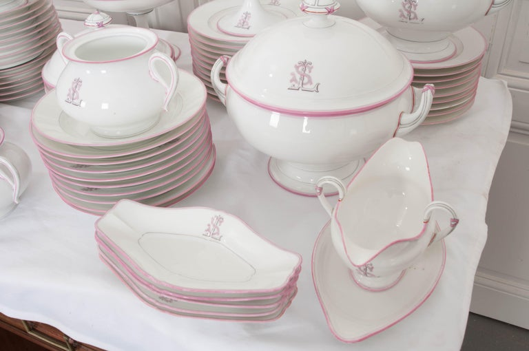 French 19th Century 95-Piece Old Paris Porcelain Dinner Service For Sale 3