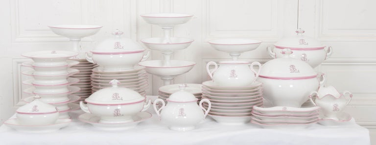 French 19th Century 95-Piece Old Paris Porcelain Dinner Service For Sale 5