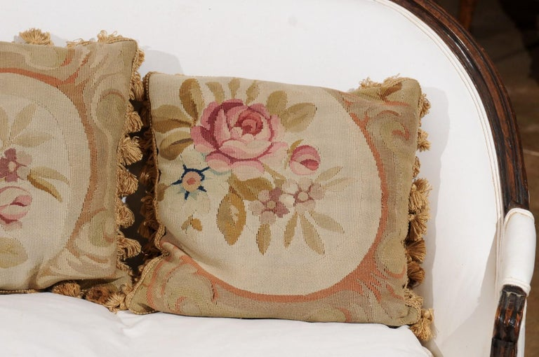 French 19th Century Aubusson Woven Tapestry Pillow with Roses and Tassels For Sale 3