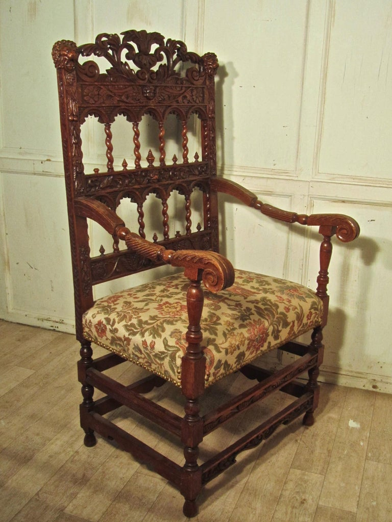 French 19th Century Carved Oak Armchair, Throne or Hall Chair In Good Condition For Sale In Chillerton, Isle of Wight