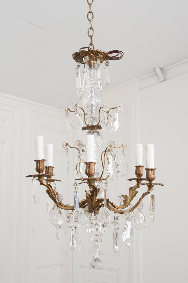 French 19th Century Crystal and Brass Louis XV Style Chandelier For Sale 6
