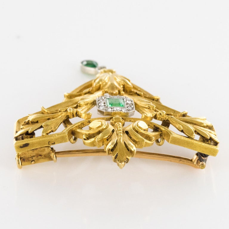 French 19th Century Emerald Diamond 18 Karat Yellow Gold Pendant Brooch For Sale 8