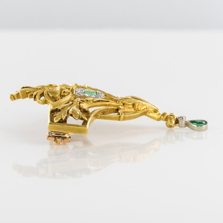 French 19th Century Emerald Diamond 18 Karat Yellow Gold Pendant Brooch For Sale 9