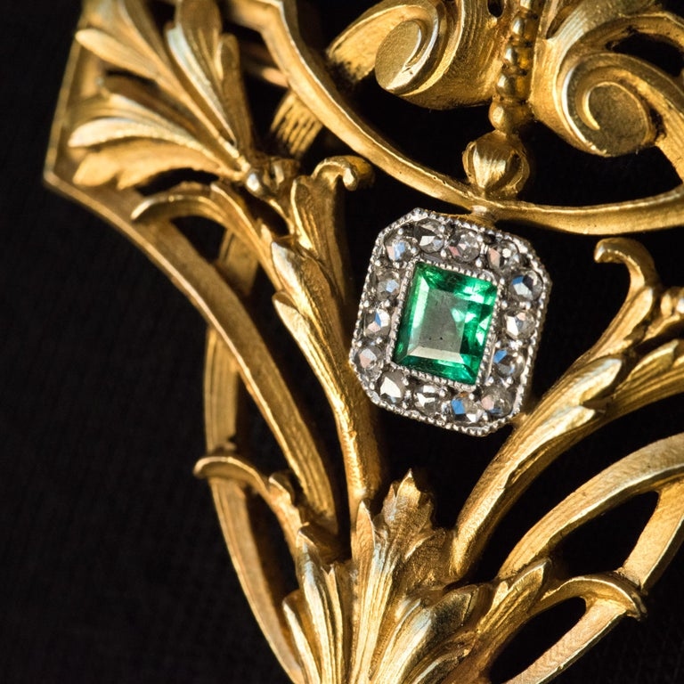 French 19th Century Emerald Diamond 18 Karat Yellow Gold Pendant Brooch In Good Condition For Sale In Poitiers, FR