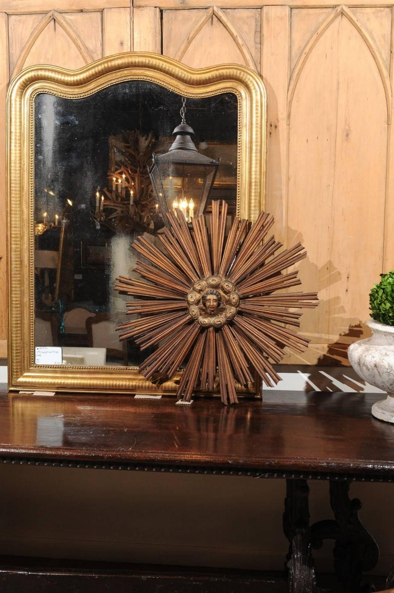 French 19th Century Gilt and Painted Starburst with Carved Angel Face and Clouds In Good Condition For Sale In Atlanta, GA