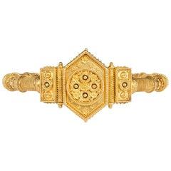 Frankreich 19tes Jahrhundert Gold etruskische Revival aufklappbarer Armreif