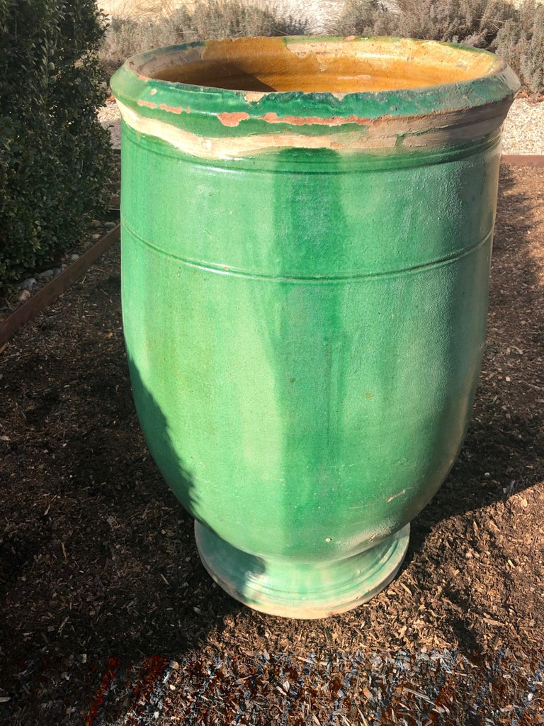 Hand-Crafted French 19th Century Green-Glazed Terracotta Pot from Apt For Sale