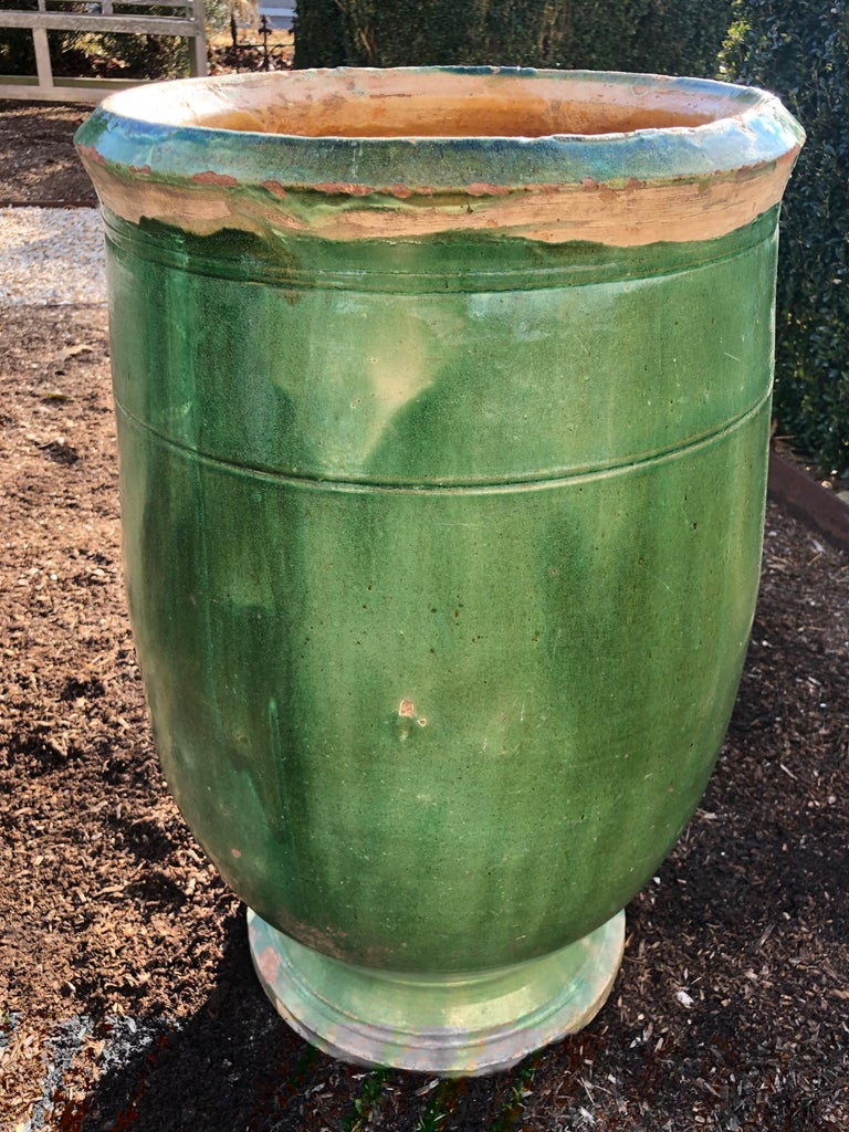 French 19th Century Green-Glazed Terracotta Pot from Apt In Good Condition For Sale In Woodbury, CT